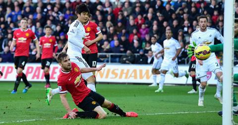 Swansea là đội bóng duy nhất đã hạ được M.U ở cả 2 lượt mùa trước