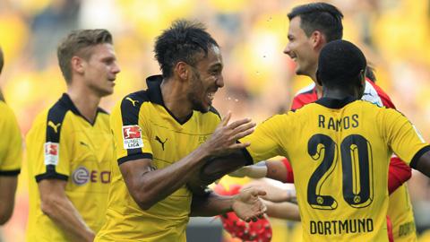 Thắng thuyết phục Hertha, Dortmund trở lại ngôi đầu Bundesliga