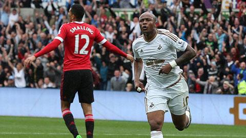 Ayew ăn mừng bàn thắng ghi được vào lưới M.U