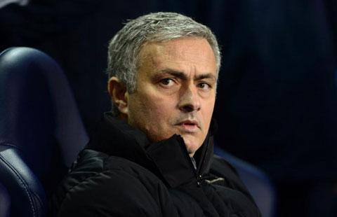 HLV Mourinho không thể đảm bảo suất đá chính thường xuyên cho De Bruyne