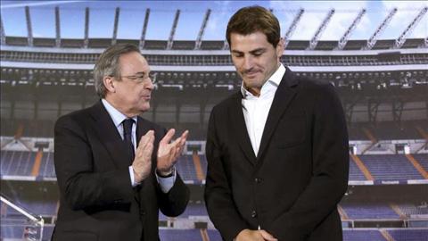 Perez (phải) cho rằng ông không hề đẩy Iker Casillas rời khỏi Bernabeu