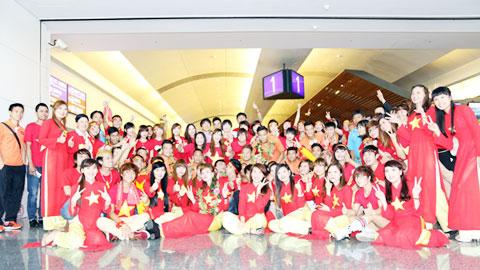 CĐV Việt Nam tại Đài Loan nồng nhiệt đón đội tuyển Việt Nam