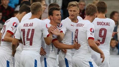 Czech trở thành đội châu Âu thứ 2 giành vé tới Pháp