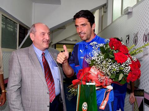 Buffon nhiều khả năng sẽ có thêm nhiều kỷ lục nữa trong màu áo ĐTQG