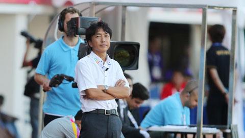HLV Toshiya Miura đang mang nhiều tâm tư khó thổ lộ
