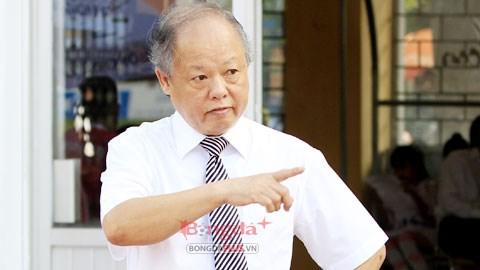 Ông Đoàn Phú Tấn là giảng viên trọng tài cấp FIFA
