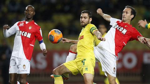 Với đẳng cấp vượt trội, Monaco (áo sẫm) sẽ có 3 điểm ra về