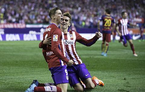 Torres ghi bàn nhưng Atletico không thể bảo toàn chiến thắng trên nhà Vicente Calderon