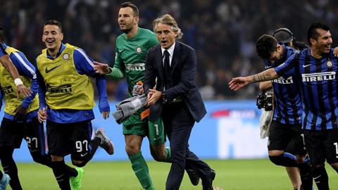 Inter lên ngôi đầu bảng sau 3 trận toàn thắng