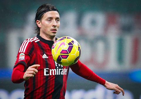 Milan của Montolivo đang xếp thứ 12 trên BXH Serie A