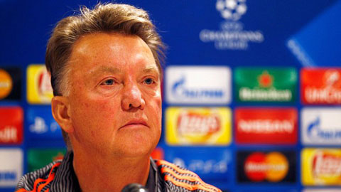 Van Gaal khá thận trọng trước chuyến làm khách tại Philips