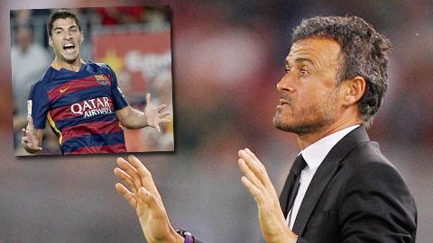 Cả Suarez và Enrique đều không hài lòng với cách đá của Roma