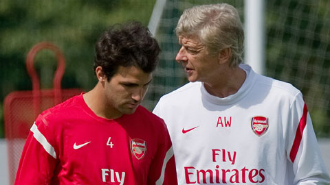 HLV Wenger từng có nhiều năm dẫn dắt Fabregas