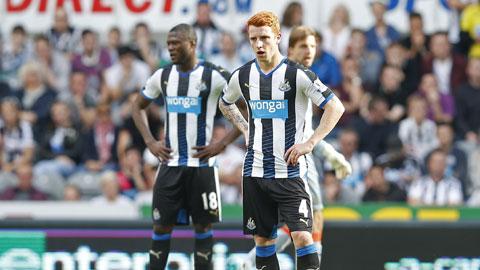 Trên sân nhà, Newcastle vừa hứng chịu thất bại trước tân binh Watford