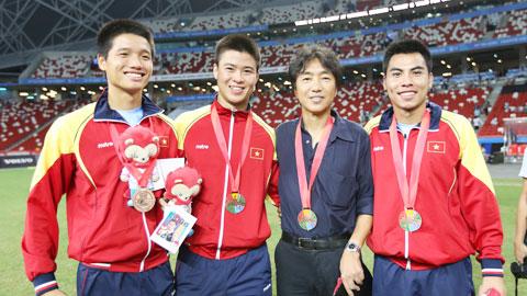 HLV Toshiya Miura từng nhận được thiện cảm lớn của NHM cả nước sau những chiến tích cùng ĐTQG và ĐT U23 Việt Nam