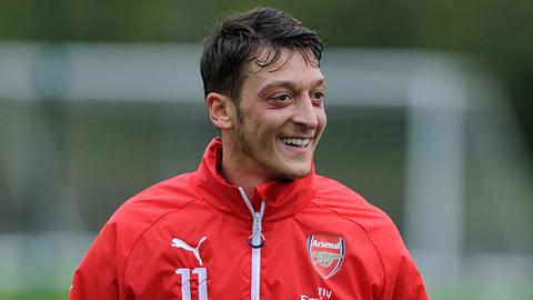 Tin mới (25/9): Arsenal mời chào Oezil hợp đồng mới