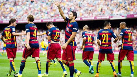 Suarez lập cú đúp giúp Barca vượt qua Las Pamas