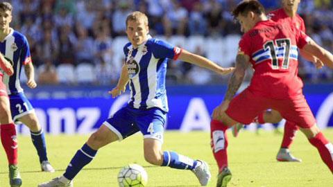 Deportivo (trái) đang có được phong độ ổn định