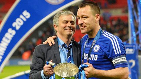 Mourinho cần kinh nghiệm của Terry để gia cố hàng thủ Chelsea