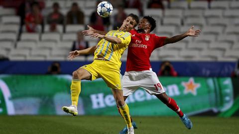 Dù mới thành lập năm 2009, nhưng FC Astana (áo sáng) đã lập kỳ tích góp mặt vào vòng bảng Champions League mùa này
