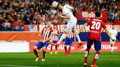 Benzema gây ấn tượng với pha đánh đầu ghi bàn duy nhất của Real, trong khi Ronaldo vẫn chỉ để lại nỗi thất vọng