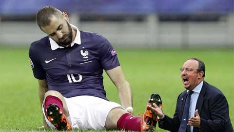 HLV Benitez sẽ mất chân sút ghi bàn chủ lực Benzema cho 4 trận tương đối khó khăn tới đây của Real