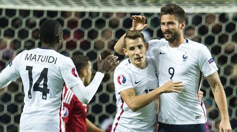 Giroud ghi bàn giúp Pháp thắng Đan Mạch 2-1