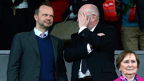 Phó chủ tịch Woodward và BLĐ M.U vẫn luôn ủng hộ Van Gaal