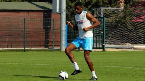Diaby đã có thể tập luyện bình thường cùng với bóng
