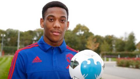 Martial nhận danh hiệu cầu thủ xuất sắc nhất tháng 9 của giải Ngoại hạng Anh