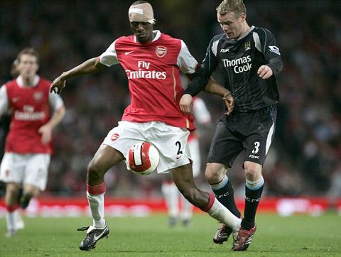 Cầu thủ bị băng đầu vài năm trước tại Ngoại hạng Anh