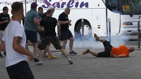 Hooligan Anh lại quậy tưng bừng ở EURO 2016