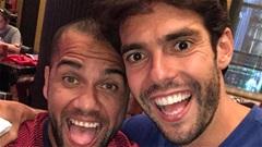 Thế giới sao 25/7: Kaka đàn đúm cùng Dani Alves