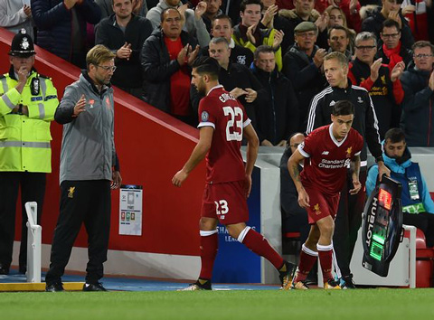 Coutinho được chào đón khi trở lại thi đấu cho Liverpool