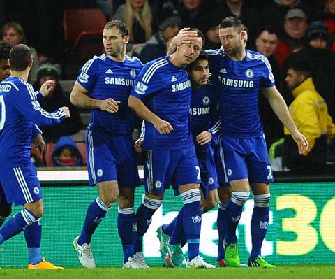 Stoke 0-2 Chelsea: Fabregas tỏa sáng, Chelsea củng cố ngôi đầu - ảnh 2